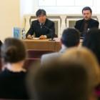 Prof.Cheong w czasie wykładu