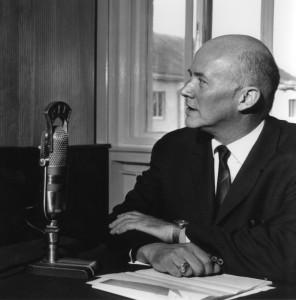 Jan Nowak-Jeziorański, dyrektor Rozgłośni Polskiej Radia Wolna Europa w siedzibie w Monachium, lata 60.