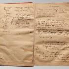 Karty rękopisu przed konserwacją. Widoczne liczne, podklejone, uszkodzenia mechaniczne. Stan przed konserwacją