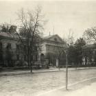Fasada budynku Ossolineum we Lwowie