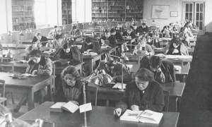 Czytelnia w latach 50.
