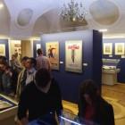 """Wystawa """"Z ossolińskiej kolekcji"""" - sala, w której można zobaczyć zbiory biblioteczne Zakładu Narodowego im. Ossolińskich."""