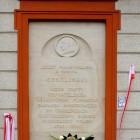 Tablica na wrocławskim budynku Ossolineum