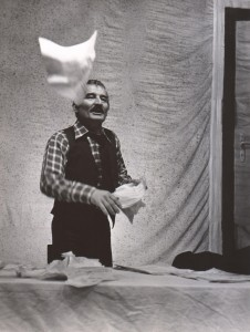Wyszedł z domu, Teatr Polski we Wrocławiu, aut. fot.: Wojciech Plewiński. Na fot.: Andrzej Polkowski, 1976 r.