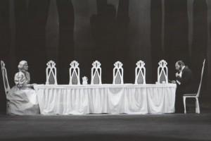 Białe małżeństwo, reżyseria Kazimierz Braun, Teatr Współczesny we Wrocławiu, aut. fot. Tadeusz Drankowski. Na zdjęciu: (od lewej): Maria Górecka, Bolesław Abart, 1975 r.