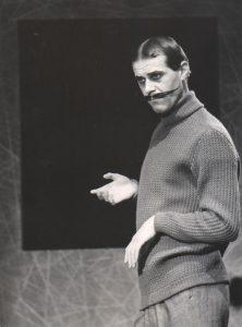 Grupa Laokoona, reżyseria Wanda Laskowska, Państwowy Teatr Dramatyczny we Wrocławiu (Scena Kameralna). Na zdjęciu: Andrzej Wykrętowicz, 1963 r.