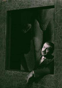 Grupa Laokoona, reżyseria Wanda Laskowska, Państwowy Teatr Dramatyczny we Wrocławiu (Scena Kameralna), aut. fot.: Zdzisław Holuka. Na zdjęciu: Józef Pieracki, 1963 r.