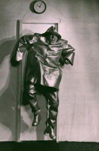 Akt przerywany, reżyseria Helmut Kajzar, Teatr Satyryków STS, aut. fot. Franciszek Myszkowski. Na zdjęciu: Jan Matyjaszkiewicz, [1970] r.