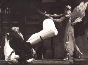 Der Unterbrochene Akt (Akt przerywany), reżyseria Gerhard Winter, [Staatstheater Kassel], aut. fot. Sepp Bär. Na zdjęciu: (od lewej) Barbara Wetzel, Franz Sauer i Otto Schnelling, [1967] r.