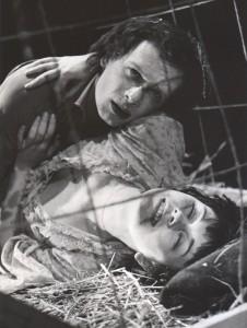Odejście Głodomora, aut. fot.: Jan Bortkiewicz Na fot.: Bogusław Kierc, Teresa Sawicka, Teatr Współczesny we Wrocławiu, 1977 r.
