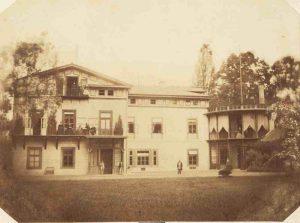 Pałac w Przeworsku, widok od strony wschodniej, siedziba ordynatów przeworskich lata 60. XIX w. Fot. ze zbiorów Muzeum w Przeworsku.