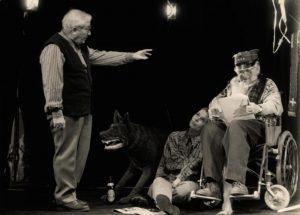 Kartoteka rozrzucona, reżyseria Tadeusz Różewicz, Teatr Polski – Teatr Kameralny we Wrocławiu, aut. fot.: Adam Hawałej. Na zdjęciu: (od lewej) Tadeusz Różewicz, Elżbieta Czaplińska-Mrozek, Igor Przegrodzki, 1992 r.